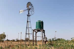 Windturbine in Banket, Zimbabwe (Foto: Stephan Baur)
