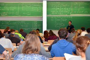 Munich School of Engineering, Studium MINT, SS 2015, Mathematik-Vorlesung - Ort: Campus Garching Hochbrück - Foto: Andreas Battenberg / TU Muenchen - frei fuer Berichterstattung ueber TU Muenchen