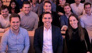 CDTM Studierende zusammen mit Martin Ott, Managing Director von Facebook Europe bei einem der Future Leadership Series Vorträge im CDTM (Bild: CDTM)