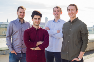 Das Gründerteam von StudySmarter v.l.n.r.: Simon Hohentanner, Maurice Khudhir, Christian Felgenhauer und Till Söhlemann (Quelle: StudySmarter)